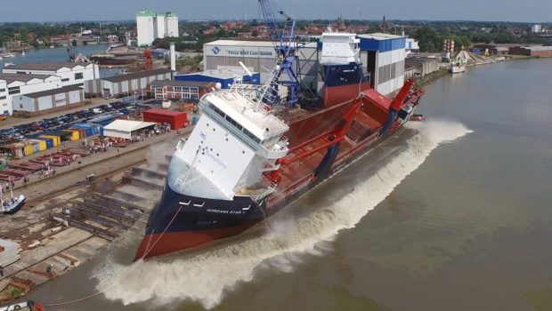 Colocando navios na água! (vídeo)