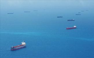 fila de navios no Porto de Santos