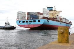Navegação de cabotagem ajuda a liberar estradas