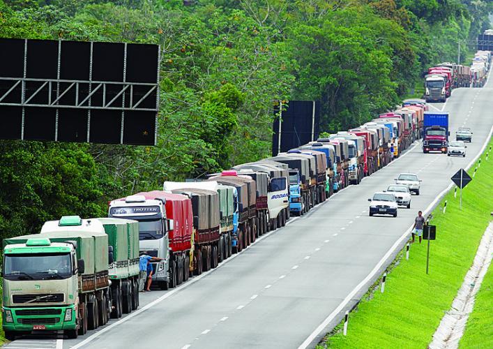 Caos nas vias de acesso ao Porto