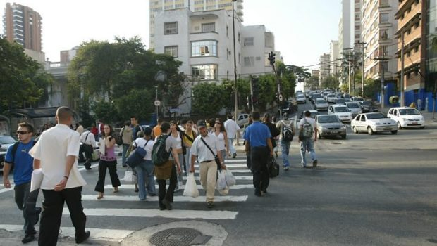 Mais respeito ao pedestre no trânsito