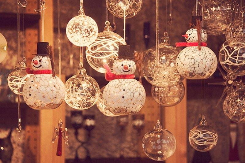 Por que o comércio já tem produtos de Natal?