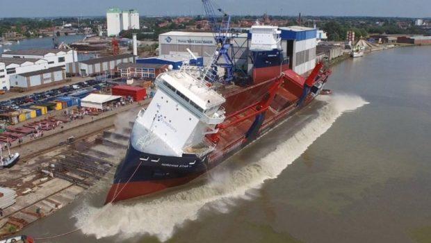 Colocando navios na água